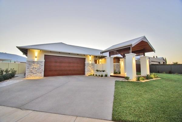 Barzen Builders : Home Designs › Contemporary